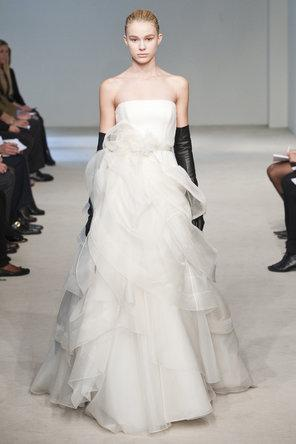 Vera Wang Strapless Wedding Dresses ♥ Modern Wedding Dresses ...