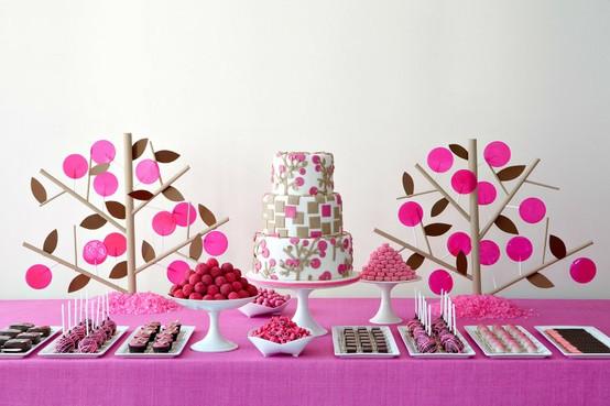 زفاف - جداول حلوى لذيذ