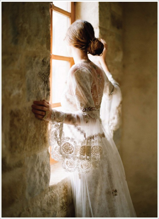 Vintage wedding dress romantic bridal photography for Romantic ethereal wedding dresses