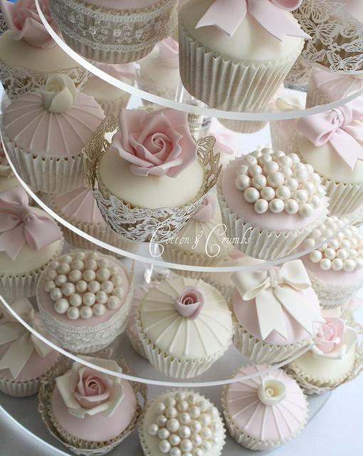 hochzeits cupcakes besondere yummy hochzeit cupcakes. Black Bedroom Furniture Sets. Home Design Ideas