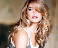 lange blonde lockige haare