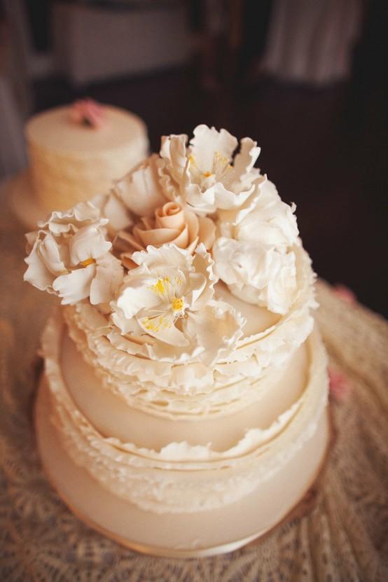 Hochzeit - Chic Ruffle Wedding Cakes ♥ Hochzeitstorte Design