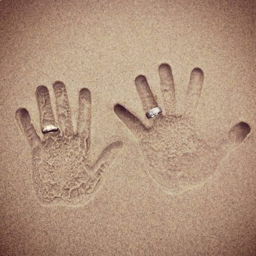 Wedding photography rings  Foto - Wedding Photography Sand Und Ringe #806028 - Weddbook