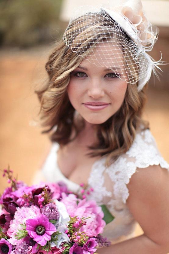 свадебные прически с вуалетками