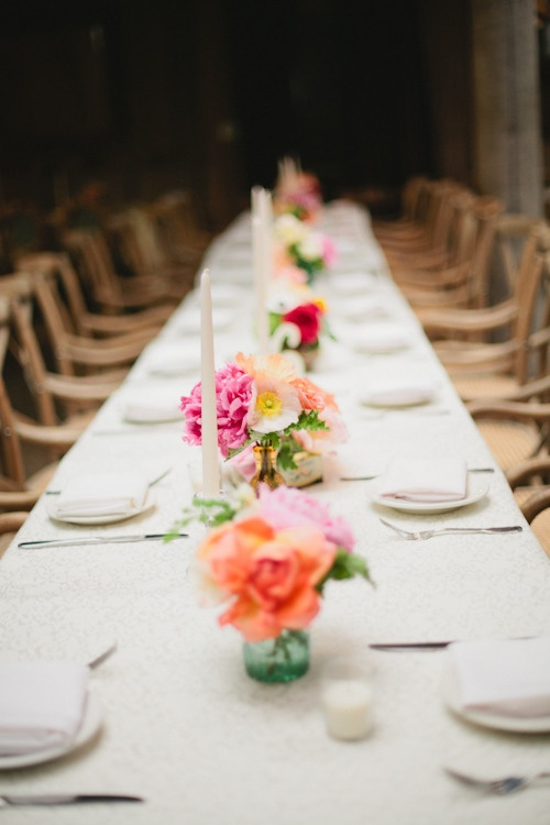 Simple wedding table decoration cheap wedding table for Cheap and easy wedding decorations