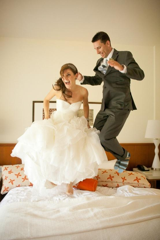 Funny Wedding Photos ♥ Creative Wedding Picture Ideas #902283