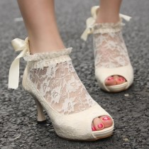 wedding photo - Vintage Ivory Lace Wedding Pumps ♥ Günstige Brautschuhe
