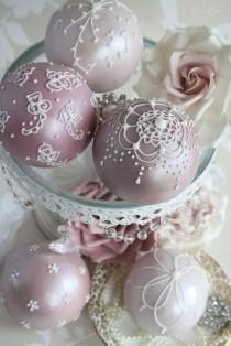 wedding photo -  Perfect Wedding Mini Bubble Cakes by Cotton and Crumbs