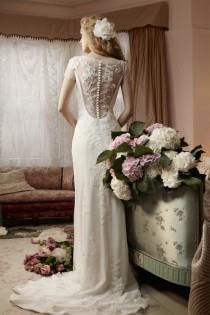 wedding photo - MiaMia Alan Hannah Spring Bridal Collection ♥ MiaMia Clematis Back Button Wedding Dress with Beautiful Lace Appliques