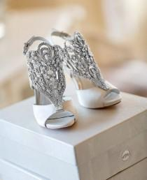 wedding photo - Die Bräute Schuhe