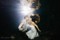 wedding photo - Meteorite Kiss