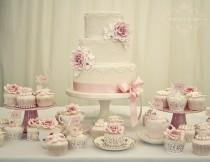 wedding photo - Vintage Rose & Pearl Wedding Cake
