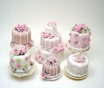 wedding photo - Small cute pink and white wedding cupcakes