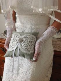 wedding photo - Wedding Ceremony Accessories - Ring Bearer Pillow