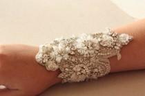 wedding photo - Wedding bracelet beaded on fabric - Isla - New