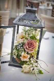 wedding photo - 30 Amazing Lantern Wedding Centerpiece Ideas