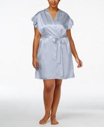 wedding photo - Oscar de la Renta Oscar de la Renta Plus Size Flutter-Sleeve Satin Wrap Robe