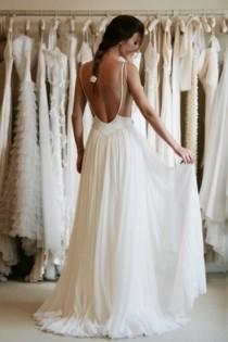 wedding photo - Backless Wedding Dress