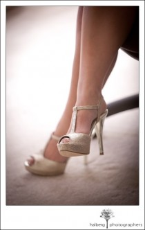 wedding photo - Or scintillante, chaussures de mariage à brides ♥ Hauts talons