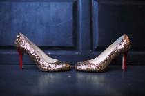 wedding photo - الذهب سبركلي أحذية الزفاف STRAPPY ♥ الكعوب العالية