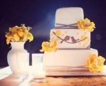 wedding photo -  The Great Cake Debate: Fondant Vs. Buttercream
