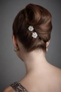 wedding photo - Gorgeous Wedding Hair ♥ Sleek Wedding Bun