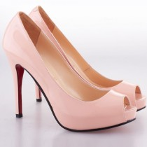 wedding photo - Christian Louboutin Brautschuhe mit roter Sohle