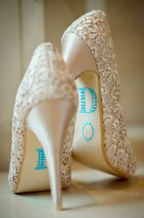 wedding photo - I Do Wedding Shoe Rhinestone Applique ♥ Unique Wedding Shoes