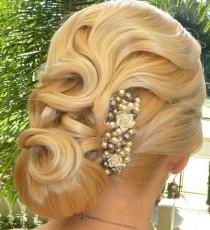 wedding photo - Vintage Bridal Side Updo Hairstyle