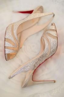 wedding photo - Chaussures Christian Louboutin Wedding ♥ Wedding Chic et à la mode chaussures à talons hauts