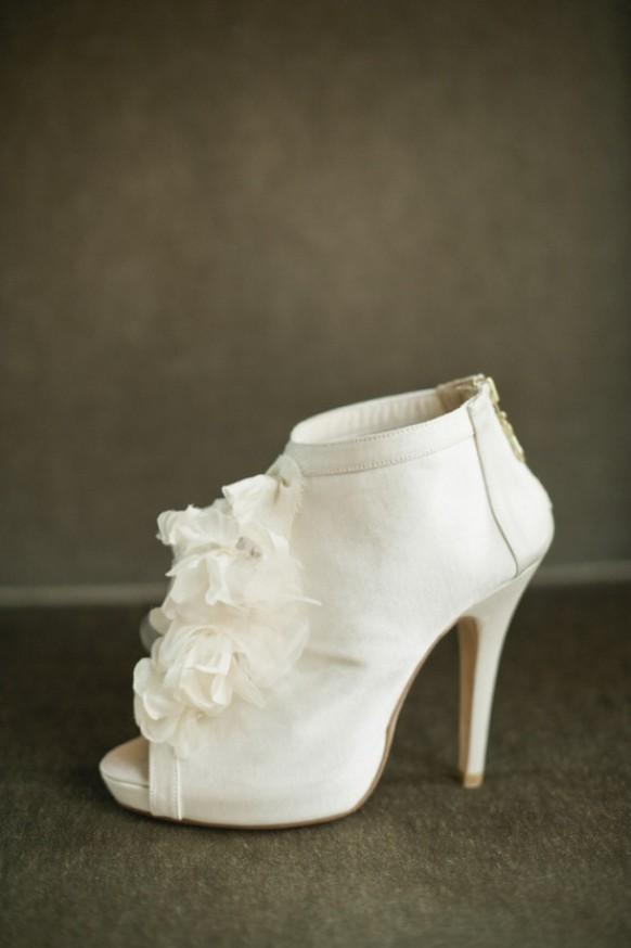 winter wedding shoes shoe shoes 1899497 weddbook 1448