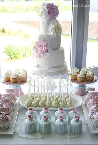 Wedding Cake Table Setup Ideas | Wedding Ideas